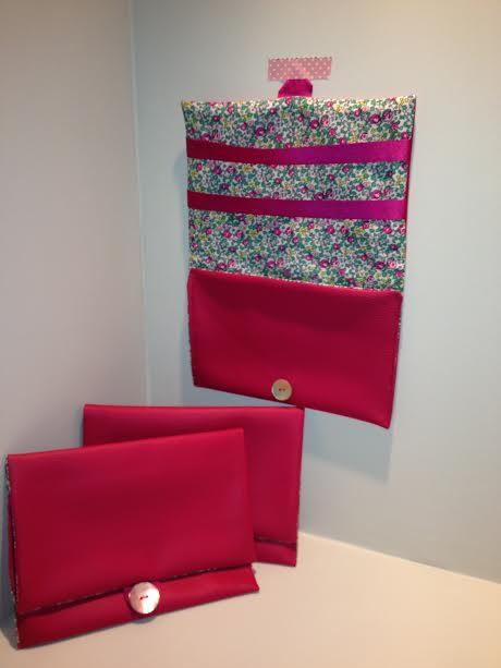 Pochette à barrettes rose